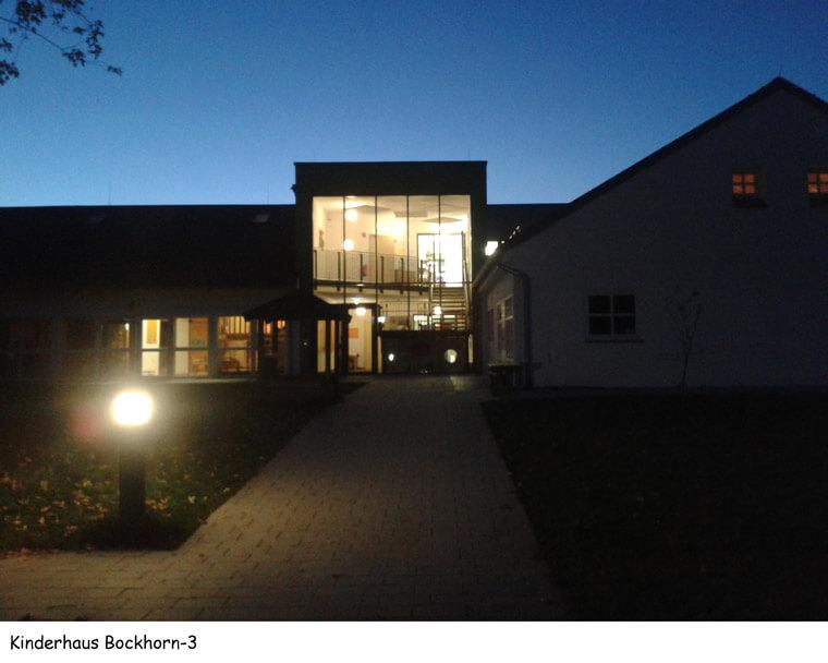 Kinderhaus in Bockhorn, bei Nacht - Dipl.-Ing. Helmut Kaiser